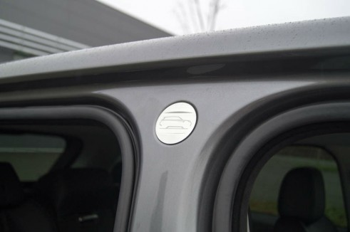 2013 Range Rover Sport Review B Pillar Detail carwitter 491x326 - 2013 Range Rover Sport Review– The bargain Range? - 2013 Range Rover Sport Review– The bargain Range?
