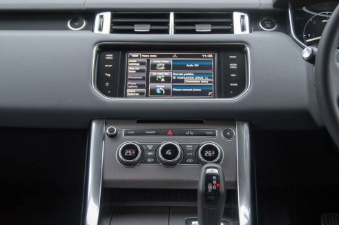 2013 Range Rover Sport Review Center Console carwitter 491x326 - 2013 Range Rover Sport Review– The bargain Range? - 2013 Range Rover Sport Review– The bargain Range?