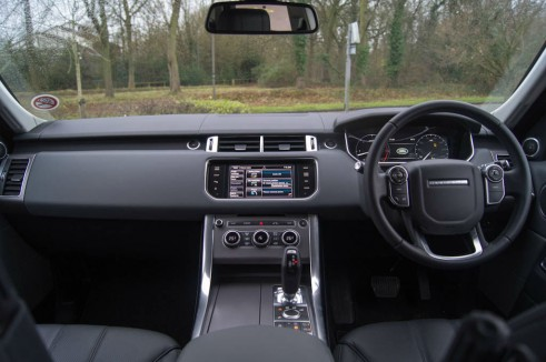 2013 Range Rover Sport Review Dashboard carwitter 491x326 - 2013 Range Rover Sport Review– The bargain Range? - 2013 Range Rover Sport Review– The bargain Range?