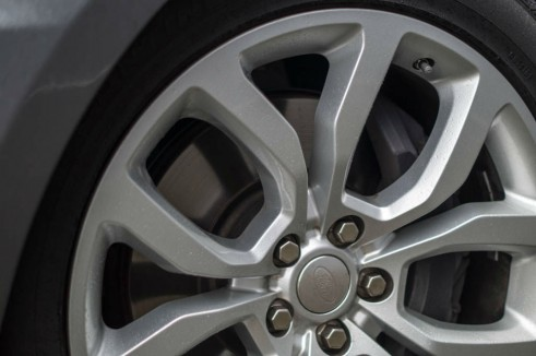 2013 Range Rover Sport Review Front Brakes carwitter 491x326 - 2013 Range Rover Sport Review– The bargain Range? - 2013 Range Rover Sport Review– The bargain Range?