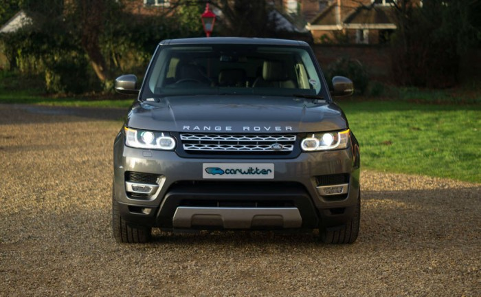 2013 Range Rover Sport Review Front Dist carwitter 700x432 - What to expect when driving a new Range Rover Sport for the first time - What to expect when driving a new Range Rover Sport for the first time