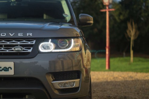 2013 Range Rover Sport Review Headlight Scene carwitter 491x326 - 2013 Range Rover Sport Review– The bargain Range? - 2013 Range Rover Sport Review– The bargain Range?