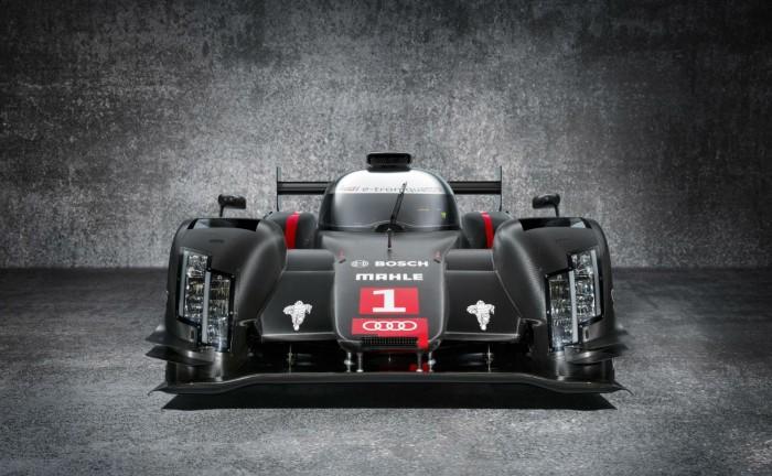 2014 Audi R18 e tron Quattro LMP1 carwitter 700x432 - 2014 Audi R18 e-tron Quattro gets tested - 2014 Audi R18 e-tron Quattro gets tested