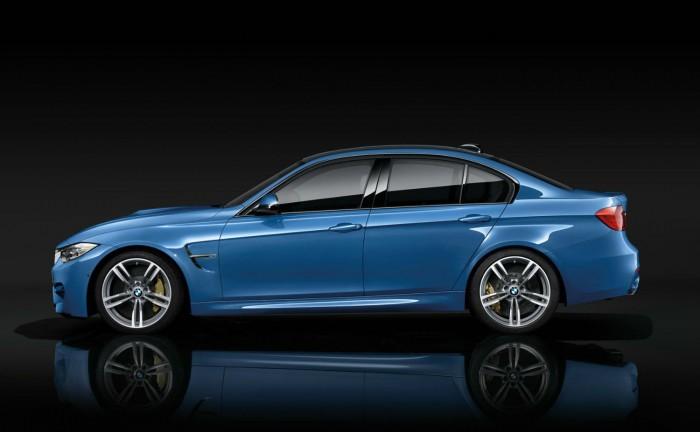 2014 BMW M3 Side carwitter 700x432 - 2014 BMW M3 Price & Specs - 2014 BMW M3 Price & Specs