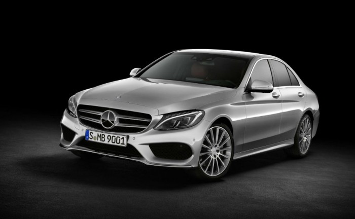 2014 Mercedes Benz C Class Front Angle carwitter 700x432 - 2014 Mercedes Benz C-Class announced - 2014 Mercedes Benz C-Class announced