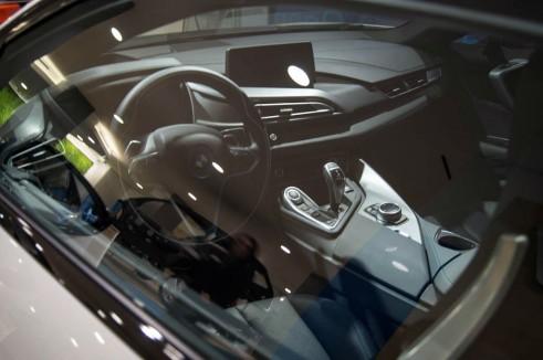 BMW i8 Park Lane London - Interior Dash - carwitter