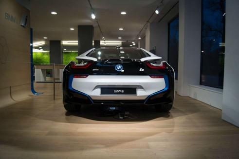 BMW i8 Park Lane London - Rear Wide - carwitter