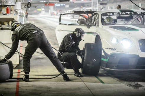 Bentley Continental GT3 pit stop Gulf 12 Hour 2013 - carwitter
