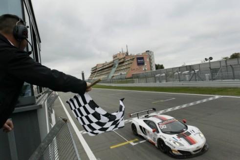 Blancpain Nurburgring 2013 Finish - carwitter