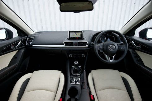 Mazda 3 Review - Dashboard - carwitter