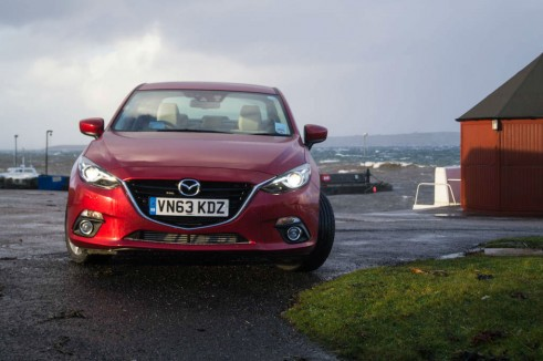 Mazda 3 Review - Front - carwitter