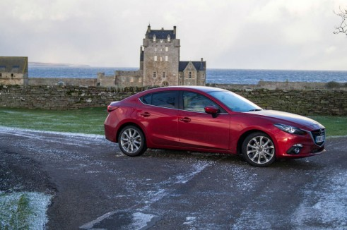 Mazda 3 Review - Side Scenic - carwitter