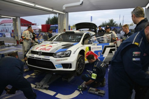 VW Polo WRC Rally Wales 2013 Service Park - carwitter