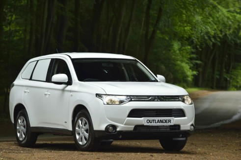Van Derived 4x4 Mitsubishi Outlander - carwitter