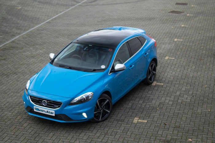 Volvo V40 T5 Review Front High Angle carwitter 700x465 - Volvo V40 T5 Review – Safety fast - Volvo V40 T5 Review – Safety fast