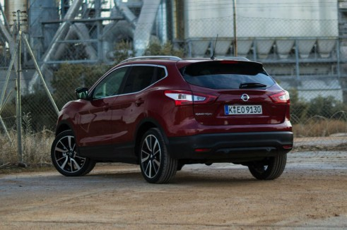2014 Nissan Qashqai Review Rear Close Angle carwitter 491x326 - 2014 Nissan Qashqai 1.2 DIG-T Review – The crossover reboot? - 2014 Nissan Qashqai 1.2 DIG-T Review – The crossover reboot?