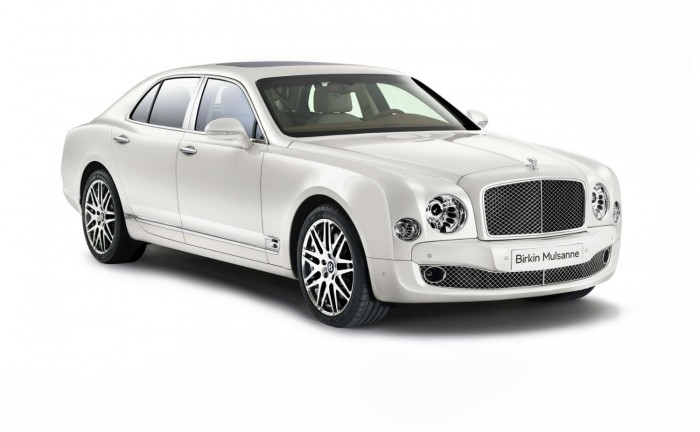 Bentley Birkin Mulsanne Ghost White Front carwitter 700x432 - Bentley Birkin Mulsanne announced - Bentley Birkin Mulsanne announced
