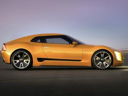 Kia GT4 Stinger side - carwitter