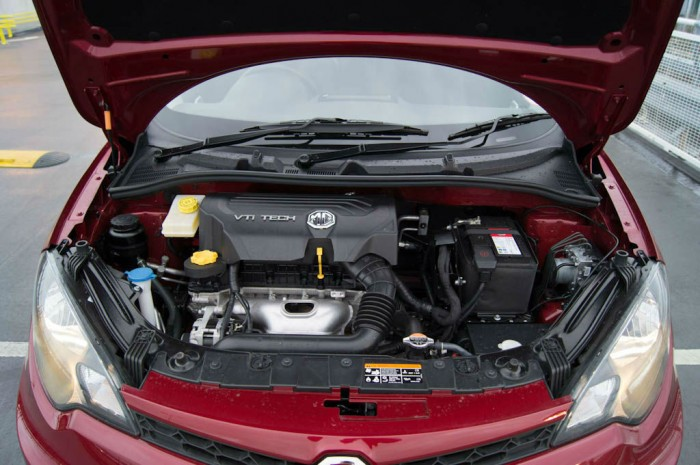 MG3 Review - Engine - carwitter