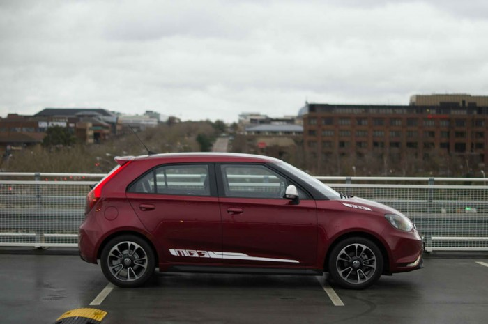 MG3 Review - Side- carwitter