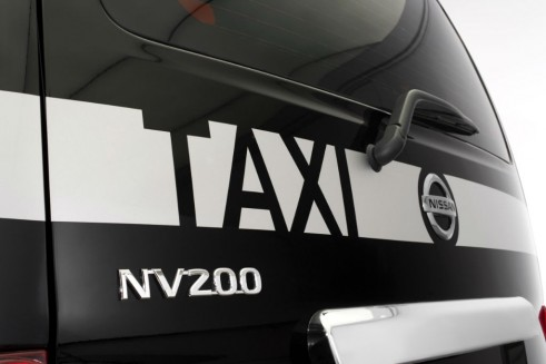 Nissan NV200 London Taxi Rear - carwitter