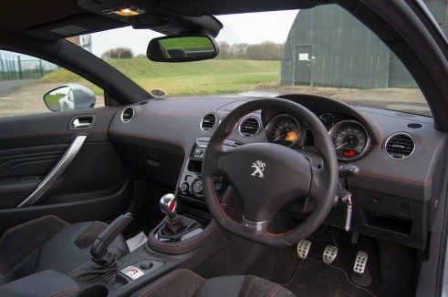 Peugeot RCZ R Review Dashboard Interior carwitter 491x326 - Peugeot RCZ R Review – A whole new RCZ - Peugeot RCZ R Review – A whole new RCZ