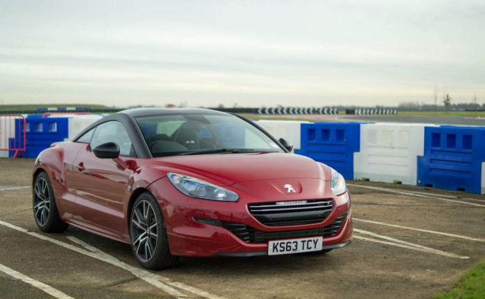 Peugeot RCZ R Review Front Angle carwitter 700x432 - Peugeot RCZ R Review – A whole new RCZ - Peugeot RCZ R Review – A whole new RCZ