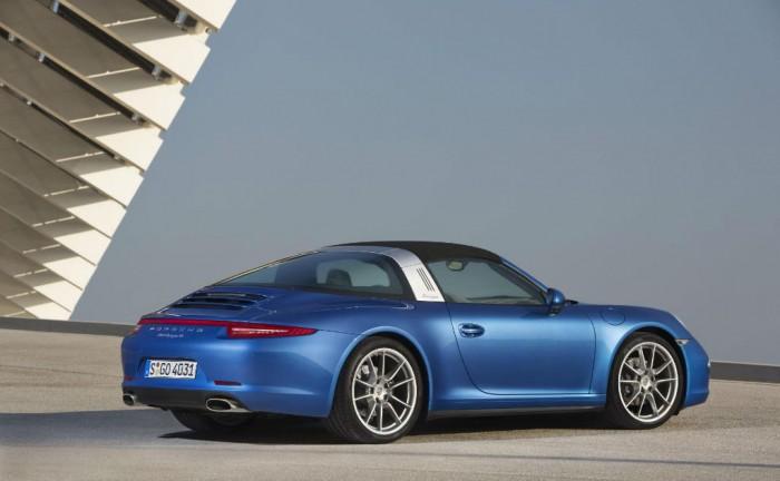 Porsche 991 Targa 4 Rear carwitter 700x432 - Porsche 991 Targa Price & Specs - Porsche 991 Targa Price & Specs