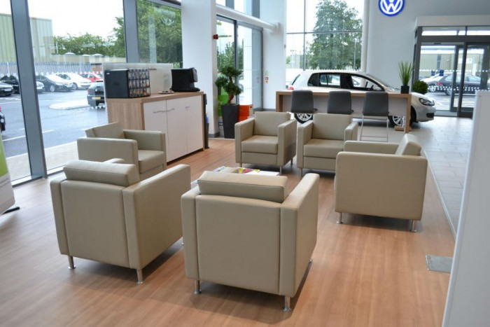 VW Car Showroom Telford Interior carwitter 700x467 - Top 5 Car Finance Mistakes - Top 5 Car Finance Mistakes