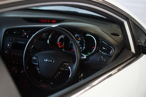 2014 Kia Pro Ceed GT Review Dashboard Window carwitter 491x326 - Kia Pro Ceed GT Review – The newbie - Kia Pro Ceed GT Review – The newbie