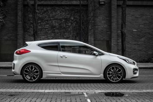 2014 Kia Pro Ceed GT Review Side carwitter 491x326 - Kia Pro Ceed GT Review – The newbie - Kia Pro Ceed GT Review – The newbie