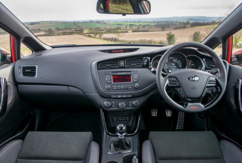 2014 Kia ceed GT - Dashboard - carwitter