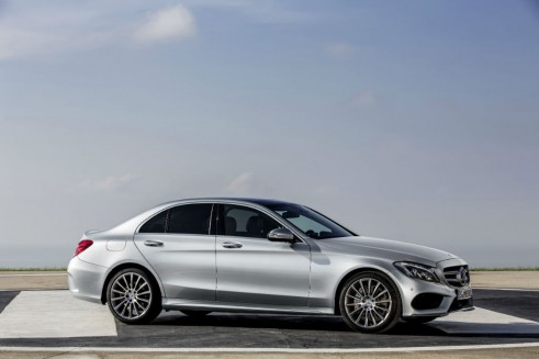 2014 Mercedes C-Class side - carwitter
