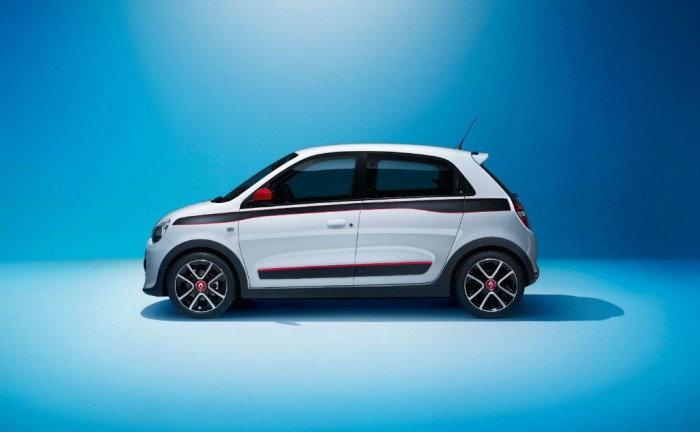 2014 Renault Twingo Side carwitter 700x432 - 2014 Renault Twingo revealed - 2014 Renault Twingo revealed