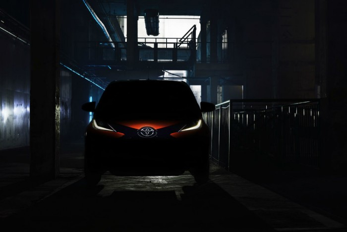 2014 Toyota Aygo teaser carwitter 700x467 - Toyota tease new 2014 Aygo - Toyota tease new 2014 Aygo