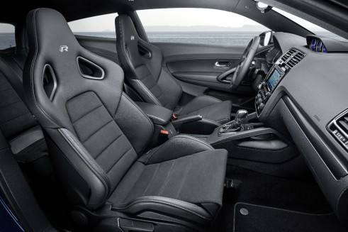 2014 VW Scirocco interior 2 - carwitter