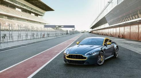 Aston Martin Vantage V8 N430 - carwitter