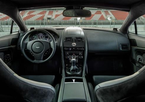 Aston Martin Vantage V8 N430 dash - carwitter