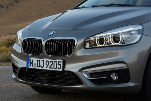 BMW 2-series Active Tourer front 2 - carwitter