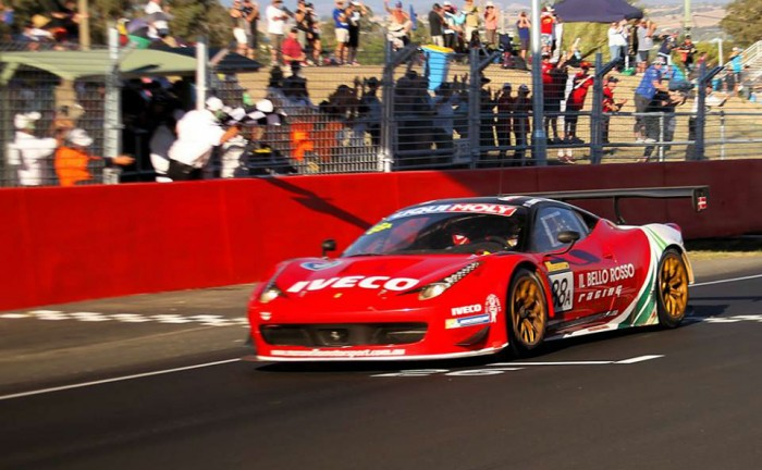 Bathurst 12 hours carwitter 700x432 - Ferrari win thrilling Bathurst 12 hour 2014 - Ferrari win thrilling Bathurst 12 hour 2014
