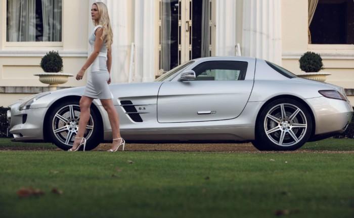 Jessica Linley Auto Vivendi Mercedes SLS AMG carwitter 700x432 - Auto Vivendi Supercar Club - Auto Vivendi Supercar Club