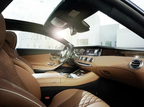 Mercedes S-Class Coupe interior 3 - carwitter