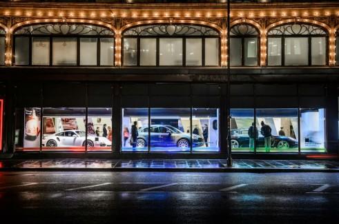 Porsche Display Harrods Shop Window - carwitter