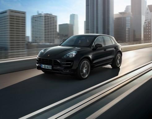 Porsche Macan Turbo Black Front - carwitter