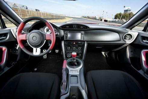 Toyota GT86 Interior Dashboard - carwitter