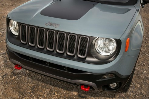 2015 Jeep Renegade - Front Grille - carwitter