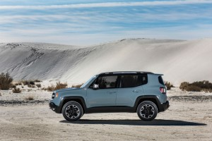 2015 Jeep Renegade Side carwitter 300x200 - 2015 Jeep Renegade announced - 2015 Jeep Renegade announced