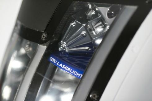 Audi R18 launch light - carwitter