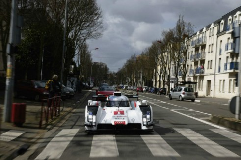 Audi R18 launch road - carwitter