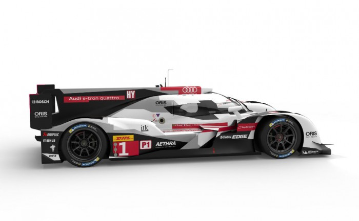Audi R18 launch side carwitter 700x432 - Audi reveal R18  - Audi reveal R18